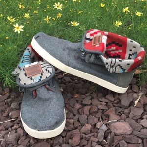 Toms high low lace up boots, gray Aztec design